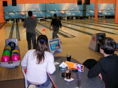 Die Autoren beim Bowling